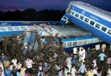 10-killed-150-injured-train-derailment-muzaffar-nagar
