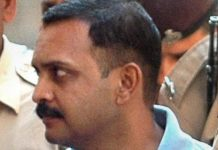 sc-grants-bail-chief-malegaon-accused-lt-col-purohit