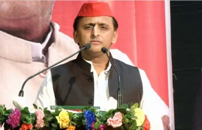 civic-polls-akhilesh-blames-evm-use-bjps-win