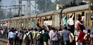 saffron-coaches-will-keep-women-safe-mumbai-locals-railway
