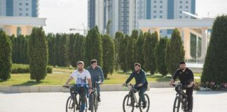 biking-kadyrov-pedals-40-km-inspect-chechen-capital-grozny-video